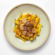 Картофель со шкварками Фото