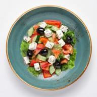 Греческий с фетой салат Фото