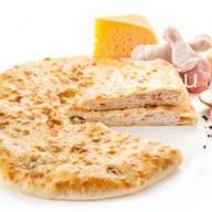 Пирог с курицей, сыром,грибами Паддзахон Фото