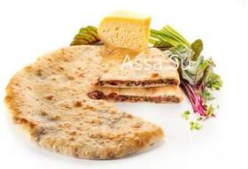 Пирог со свекольными листьями и сыром - Фото