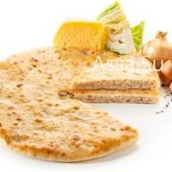 Пирог с сыром, капустой, грецким орехом Фото