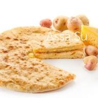 Пирог с осетинским сыром и картошкой Фото