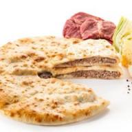 Пирог с говядиной, капустой, сыром Фото