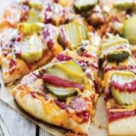 Сочный чизбургер пицца Фото