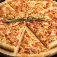 Домашняя пицца от шеф-повара Фото