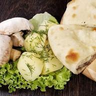 С картошкой и грибами Фото