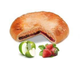 Пирог с яблоком и клубникой - Фото