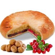 Пирог с орехом и клюквой Фото