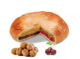 Пирог с орехом и вишней - Фото