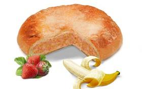 Пирог с бананом и клубникой - Фото