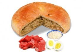 Пирог с говядиной, рисом и яйцом - Фото