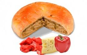 Пирог с говядиной, сыром и перцем - Фото
