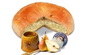 Пирог с грушей, медом и сыром маскарпоне - Фото