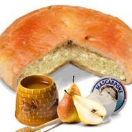 Пирог с грушей, медом и сыром маскарпоне Фото