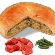 Пирог с говядиной и перцем халапеньо Фото