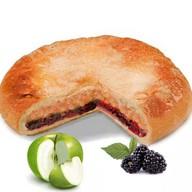 Постный пирог с яблоком и ежевикой Фото