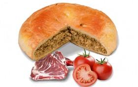 Пирог с бараниной и помидорами - Фото