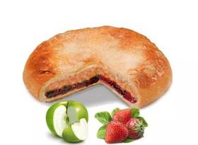 Постный пирог с яблоком и клубникой - Фото