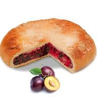 Пирог со сливой Фото