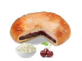 Пирог с творогом и вишней - Фото