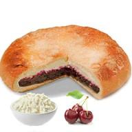 Пирог с творогом и вишней Фото