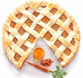 Песочный пирог с морковью,медом и изюмом - Фото