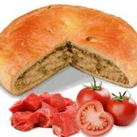Пирог с говядиной и помидорами Фото