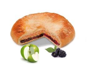 Пирог с яблоком и ежевикой - Фото