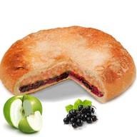 Пирог с яблоком и чёрной смородиной Фото