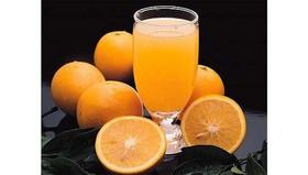 Свежевыжатый сок апельсиновый - Фото