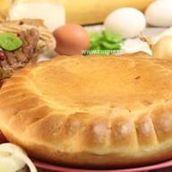 Пирог с говядиной, свининой и капустой Фото