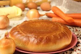 Пирог с рисом, морковью и репчатым луком - Фото