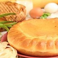 Пирог с окороком и зеленым луком Фото