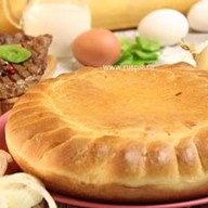 Пирог с говядиной и капустой Фото