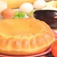 Пирог с курицей, баклажаном и томатами Фото