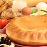Пирог пицца с курицей Фото