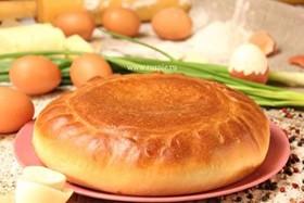 Пирог с яйцом и зеленым луком - Фото