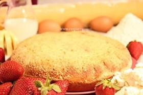 Пирог с творогом и клубникой - Фото