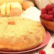 Пирог со сливами и малиной Фото