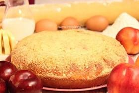 Пирог со сливой и персиком - Фото