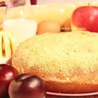 Пирог с яблоком и сливой Фото