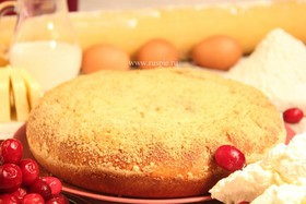 Пирог с творогом и брусникой - Фото