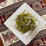 Салат с маринованными огурчиками Фото