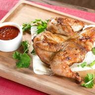 Цыпленок тапака с домашней аджикой Фото