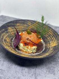 Оливье с тартаром из семги,красной икрой - Фото