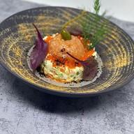 Оливье с тартаром из семги,красной икрой Фото