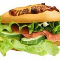 Сэндвич с сёмгой и омлетом Фото