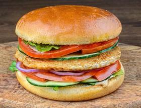 Бургер с куриной котлетой - Фото