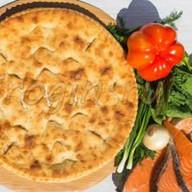 Осетинский пирог с сёмгой и помидорами Фото