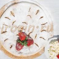 Творожный пирог с клубникой Фото